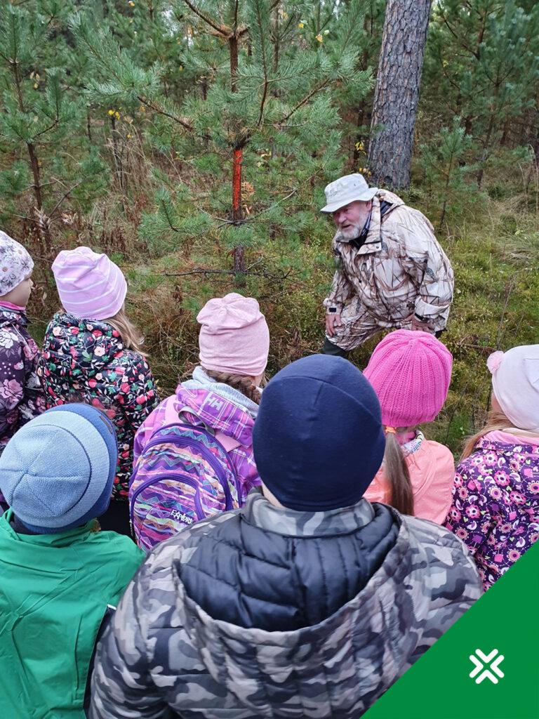 Metsaharidus. Koolilapsed. Vooremaa Metsaühistu